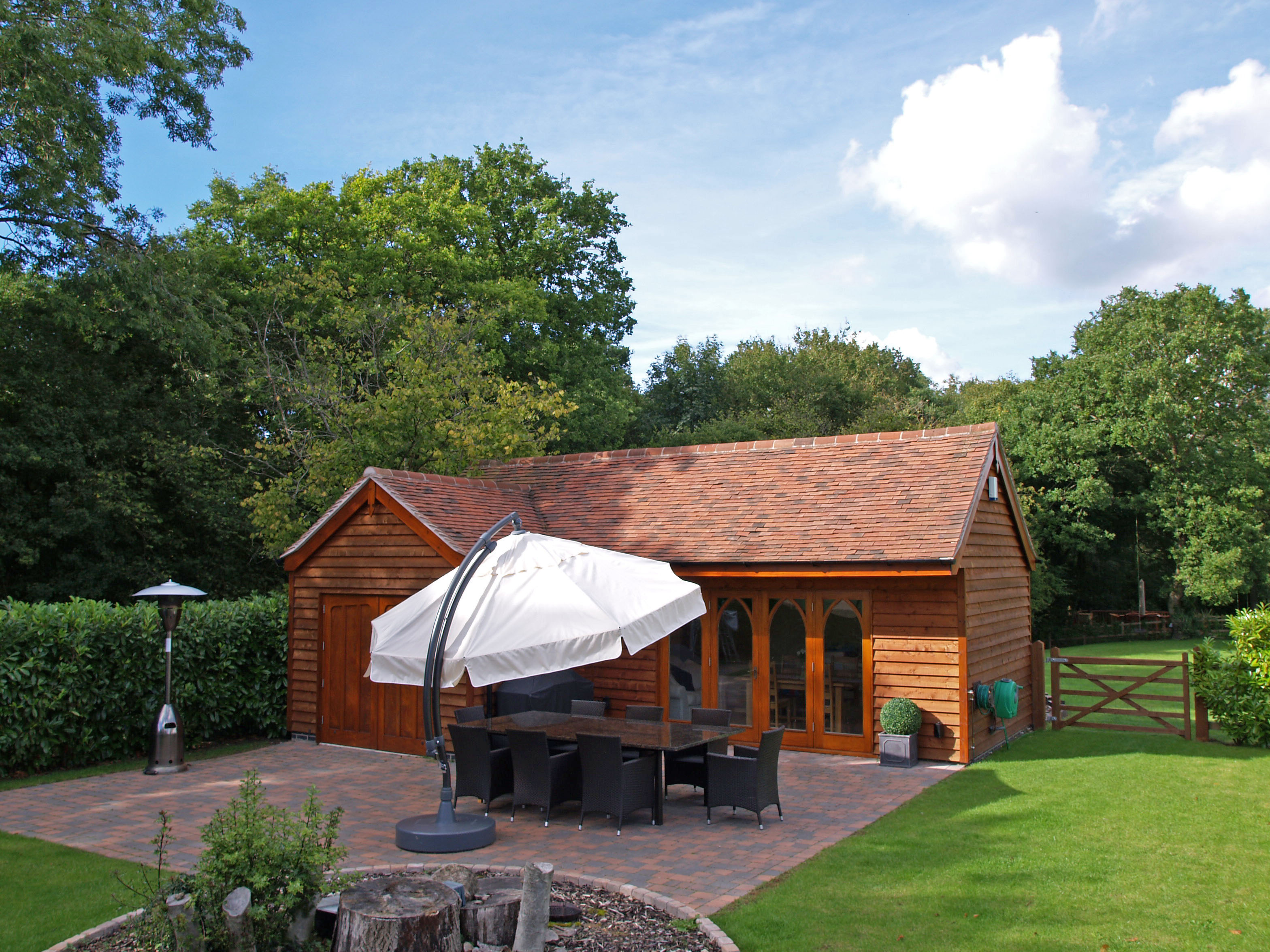 Hollybush garden summer house